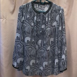 Black and White Blouse Size 1X